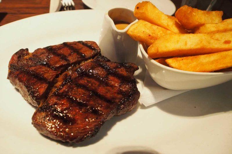 アンガスビーフのステーキ