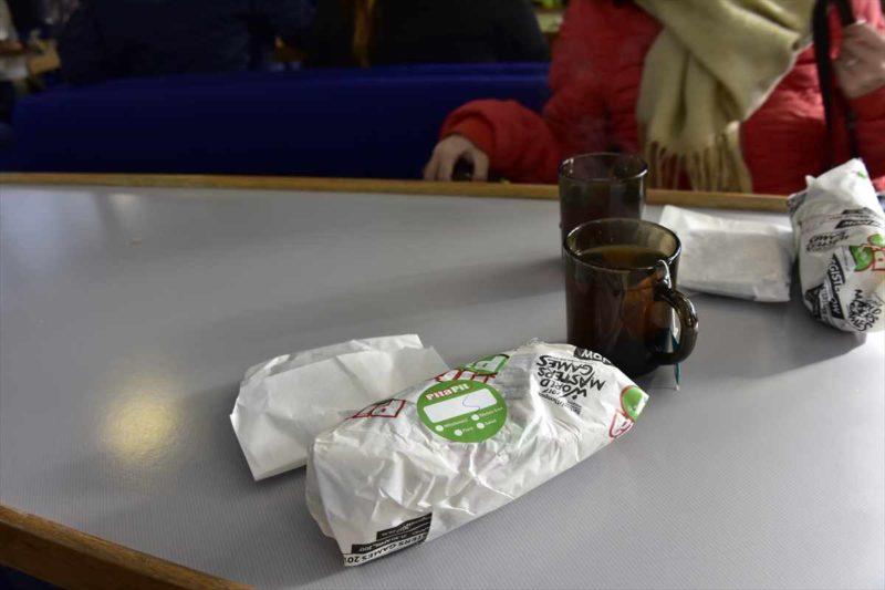 クルーズ船内でいただいたサンドイッチと暖かい紅茶