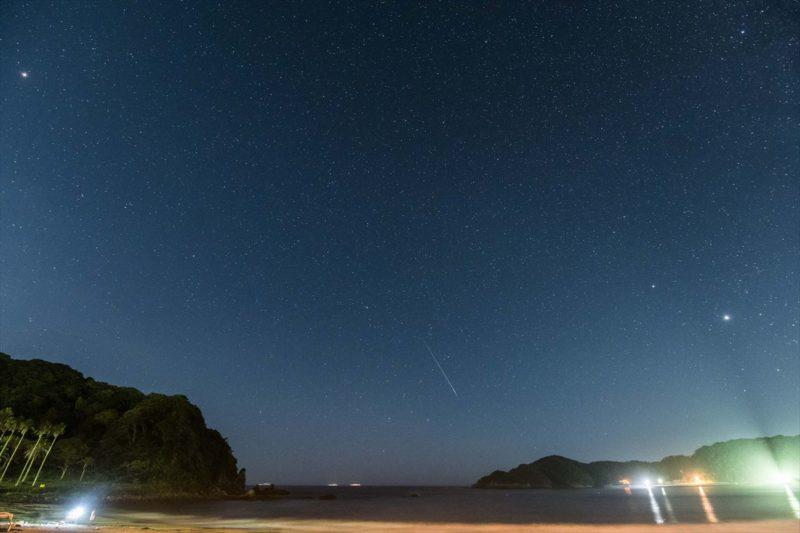 弓ヶ浜海水浴場に流れたペルセウス座流星群