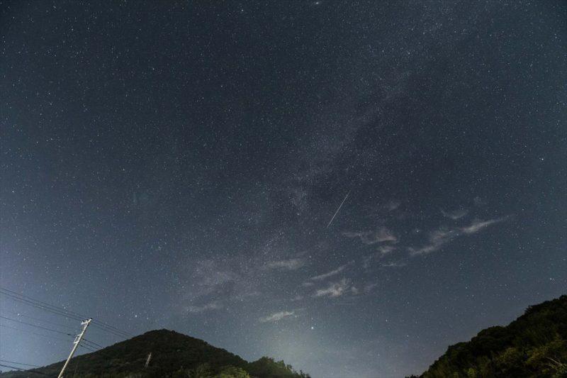 下田のとある町の駐車場から見たペルセウス座の流星