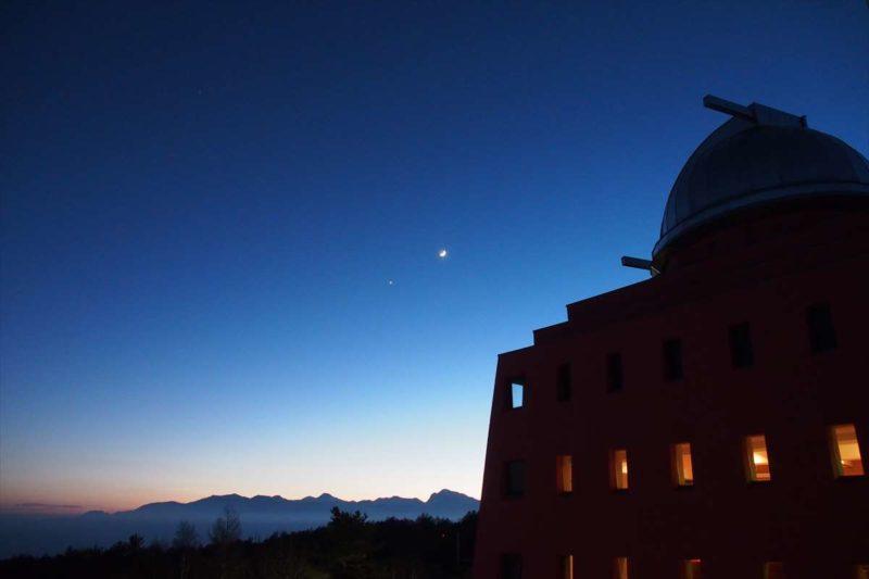 天文台のシルエットがきれいな八ヶ岳高原ホテル