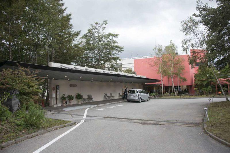 ホテル正面の風景