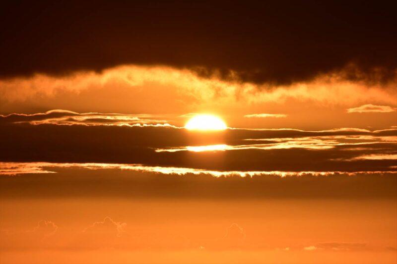 望遠で撮った夕日