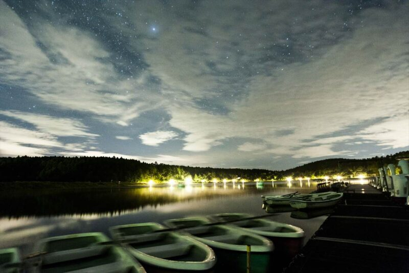 女神湖センターのボート乗り場付近