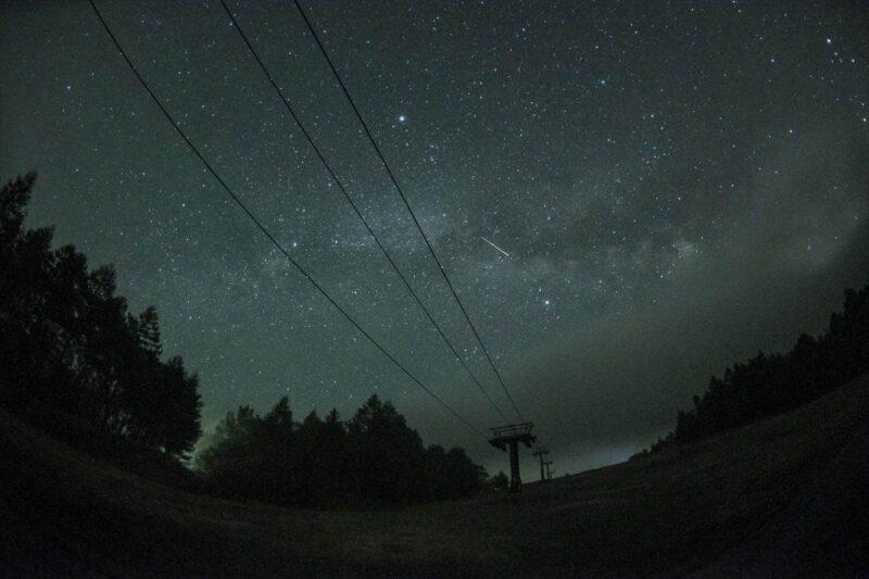 スキー場から見た星空